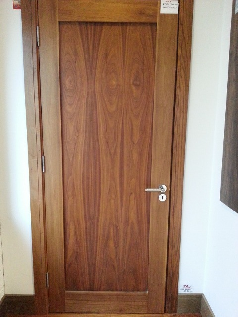 Faded Walnut shaker door