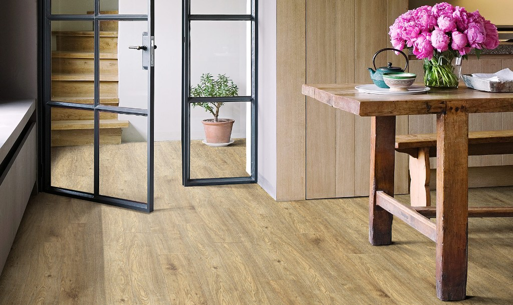 What's the difference between Hardwood & Laminate Flooring?