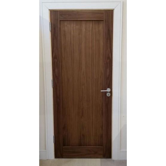 Seadec Walnut Hampton Shaker Door