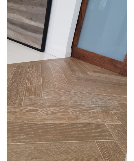 Oak Smokehouse & White Vein Herringbone 90