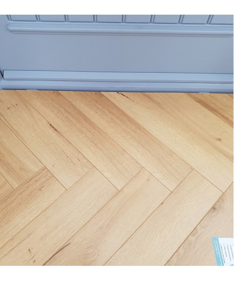Herringbone Robust Oak Natural 12mm Laminate Flooring