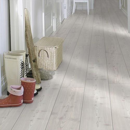 Pergo 2m modern grey oak plank for Gray pergo flooring