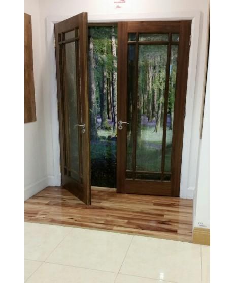 Deanta NM5G Glazed Walnut Door