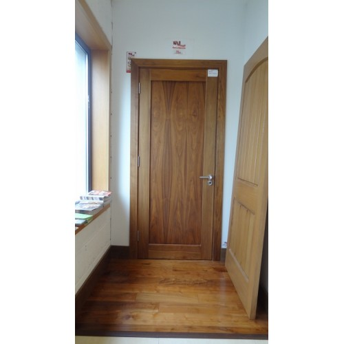 Hampton Walnut Shaker Door