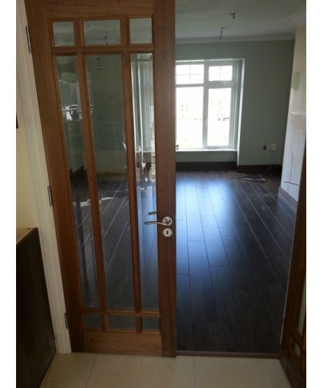Deanta NM5G Glazed Walnut Door