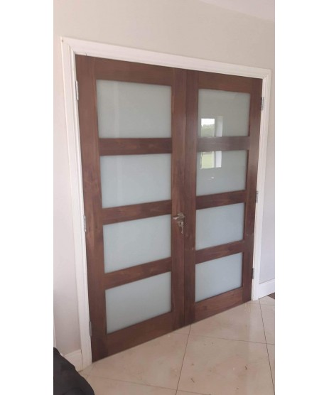 Deanta HP1G Clear Glass Walnut Door